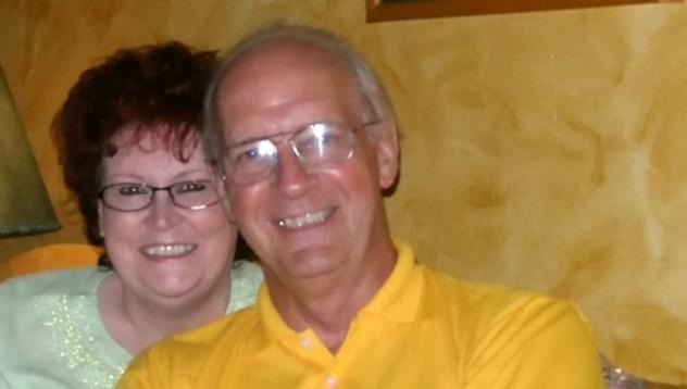 Мъж подарява една и съща картичка за 14 февруари в продължение на 39 години