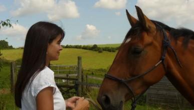 Двойка предлага телепатична връзка с животни