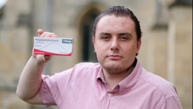 Мъж обвинява обезболяващи за своята хомосексуалност