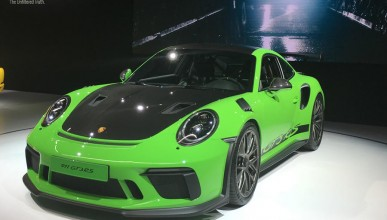 Porsche 911 GT3 RS отново е господар на Нюрбургринг