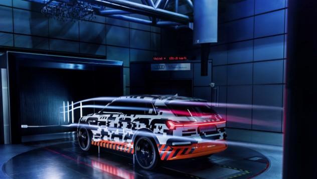 Audi ще премахне страничните огледала
