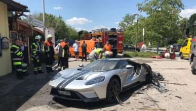 Нов Ford GT лумна в пламъци