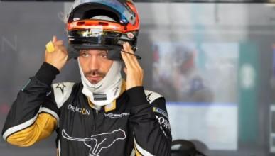 Глобиха пилоти от Формула Е за грешен дрескод