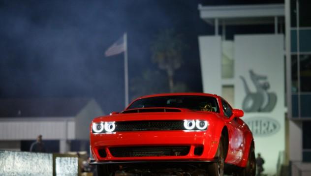 Dodge Challenger Demon има проблем  с автопилота