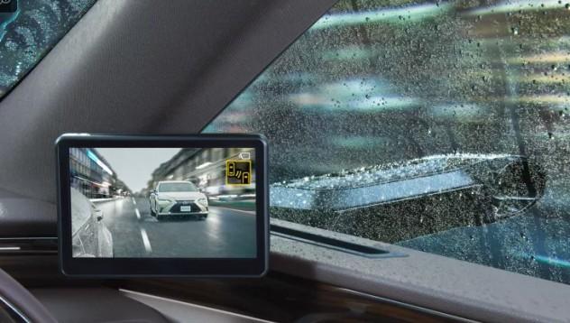 Lexus първи поставят камери за странични огледала