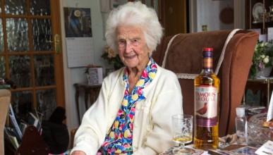 116-годишна старица гарантира дълголетие с уиски
