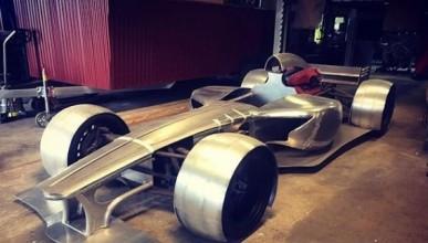 Мъж сътвори болид с двигател от Ferrari F12