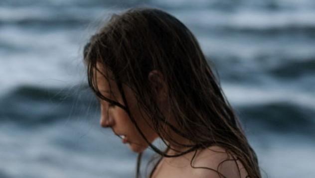 Олга все още плажува