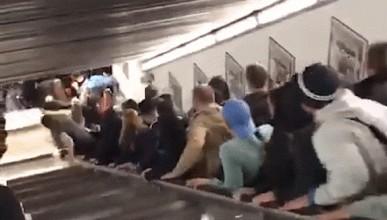 Ескалатор полудя и нарани повече от 20 души