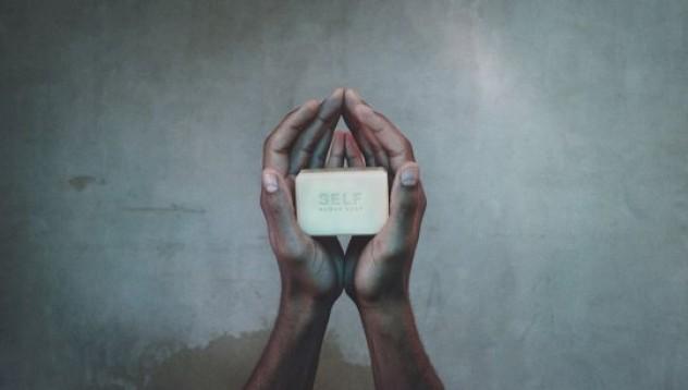 Човешки сапун ще измие греховете от преяждане