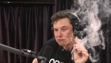 Разследват SpaceX заради джойнта на Мъск