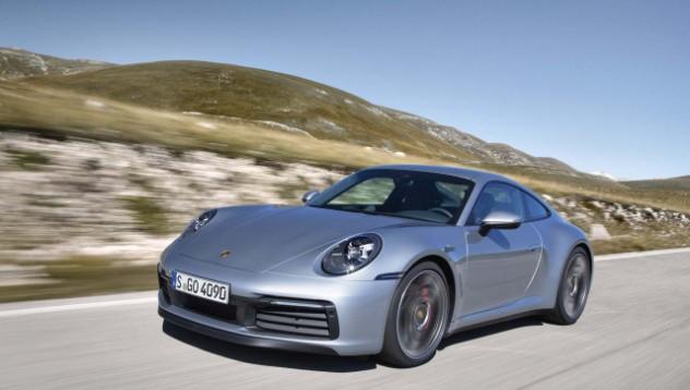 Porsche с приложение за търсене на живописни маршрути