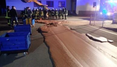 В Германия изсипиха 1 тон шоколад на улицата