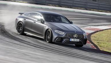 Mercedes-AMG GT 4 Door Coupe подготвен за двубой с Panamera Turbo