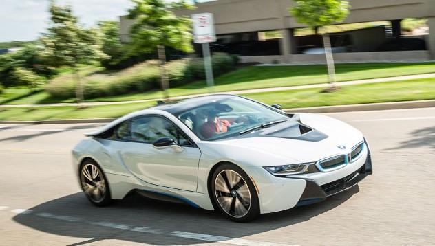 BMW разработват ново поколение i8