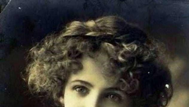 Жената, която прекара 25 години без слънчева светлина