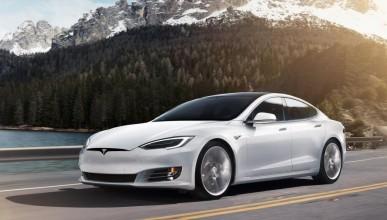 Tesla Model S с поредна зверска катастрофа