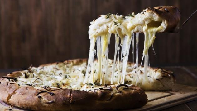 Рекорд: Пица със 154 сирена