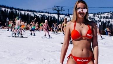 Разголени красавици атакуваха ски писта в Русия