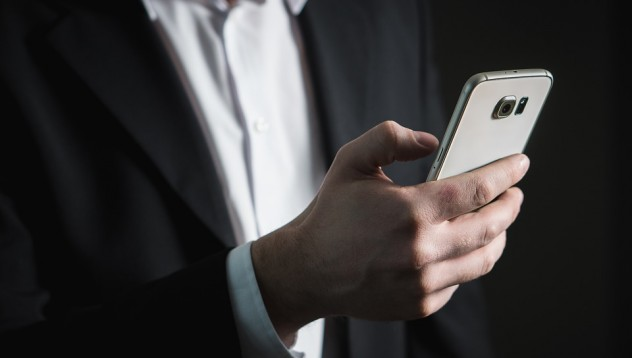 Зарежда ли се смартфонът по-бързо, ако е изключен?