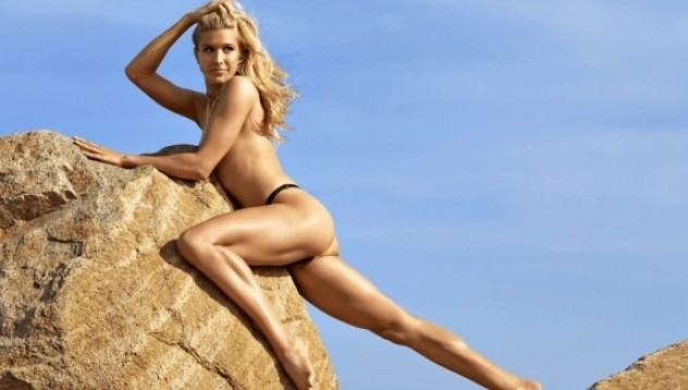 Южени Бушар - модел или професионална тенисистка?