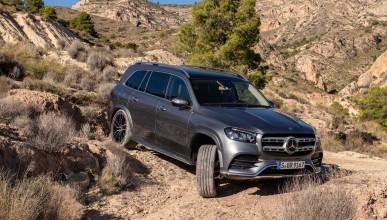 Как се справя с отсъствието на път най-големият Mercedes