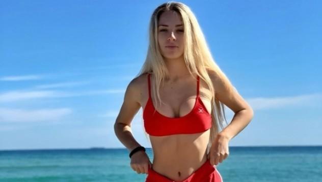 Украинска тенисистка провокира с горещи снимки
