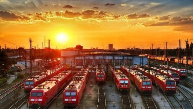 Пловдивчанин със заявка за Гинес, тегли 84-тонен локомотив