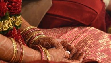 Булка умря по време на сватбата, младоженецът се ожени за сестра й