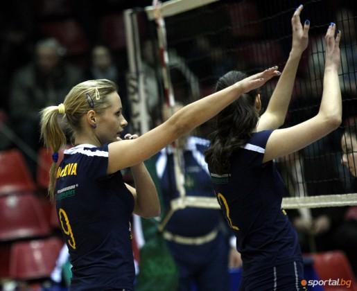 Диана Малинова - секси волейбол
