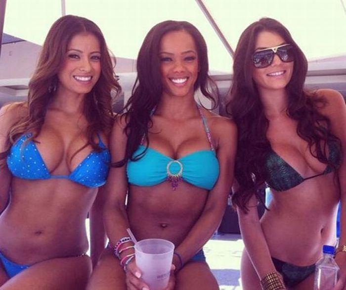 Жените на плажа