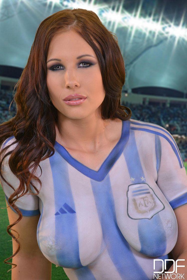 Кайра дава сили на Аржентина