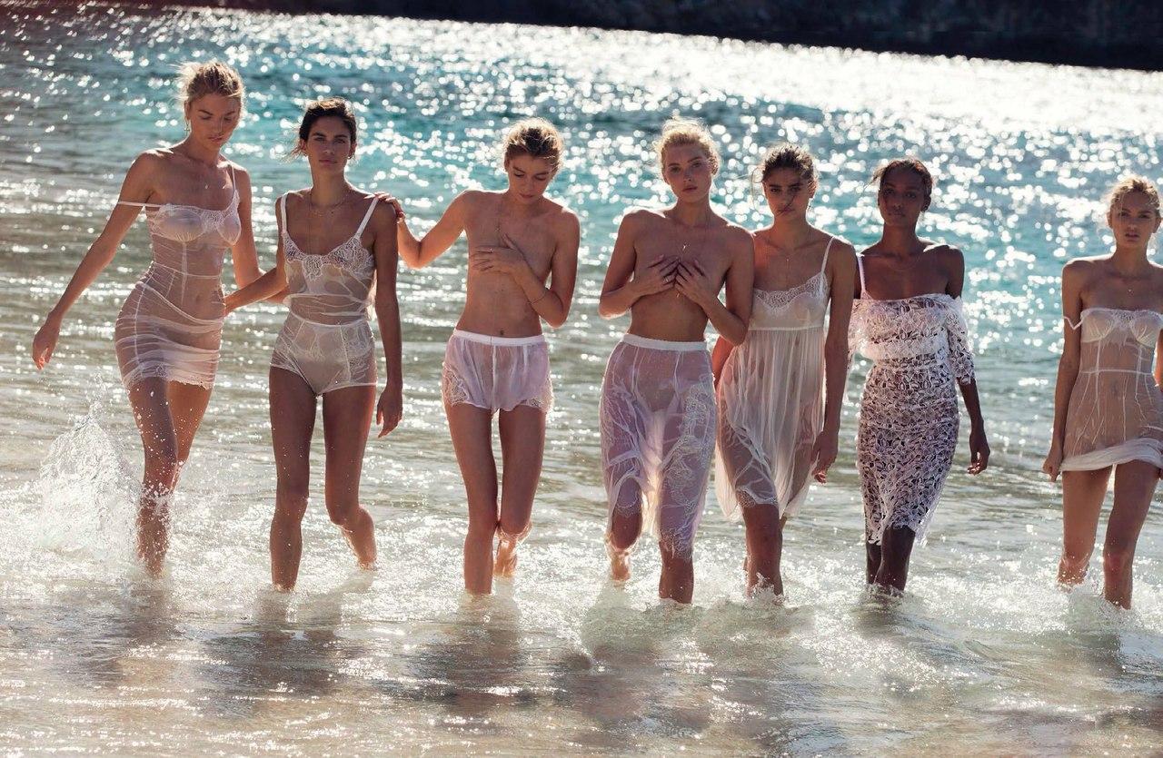 Victoria`s Secret отиват на плажа