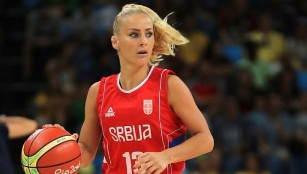 Секссимвол в баскетбола се оплака от сексуален тормоз
