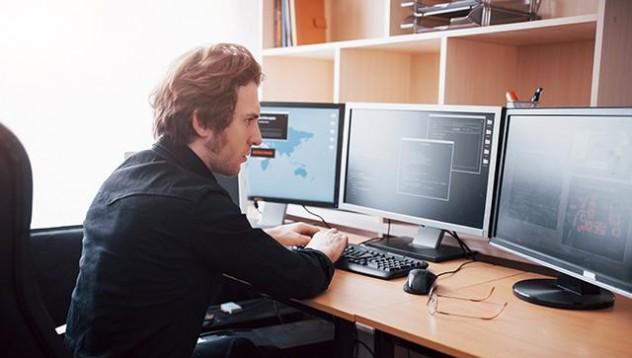 Нужен ли ми е курс по Python и какво го отличава от останалите програмни езици?